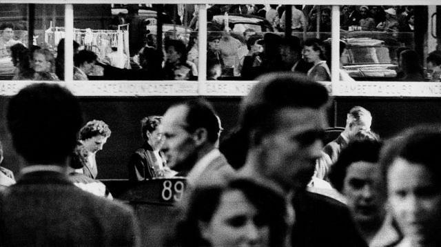 frank-horvat-paris-st-lazare-1956